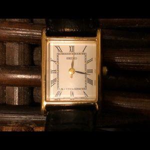 Vintage Seiko Women's Rectangular Watch.